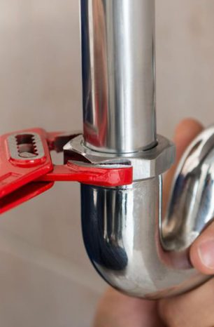 5 Irrefutable Reasons to Use a Professional to Unblock Your Drain